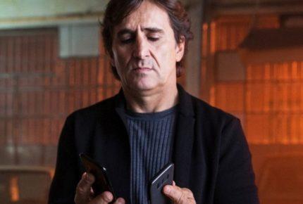 #CoverYourPhone: la campagna social di Alex Zanardi contro l'uso dello smartphone alla guida