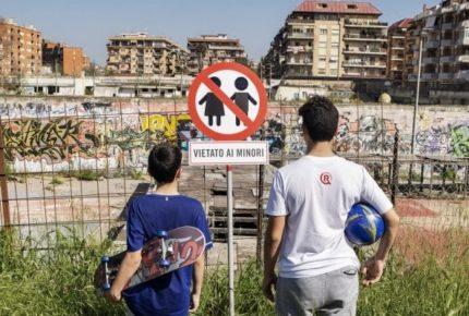 #italiavietatAiminori: la campagna social di Save The Children per restituire 10 luoghi ai bambini