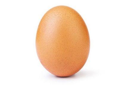 """La foto di quest'uovo ha ricevuto più """"mi piace"""" nella storia di Instagram. Battuto il record mondiale di Kylie Jenner"""